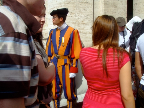 This Swiss Guard looked a little French IYKWIMAITYD.
