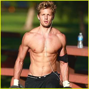 matt-barr-shirtless-workout