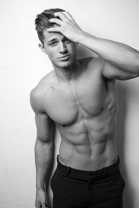 shirtless-friday-31