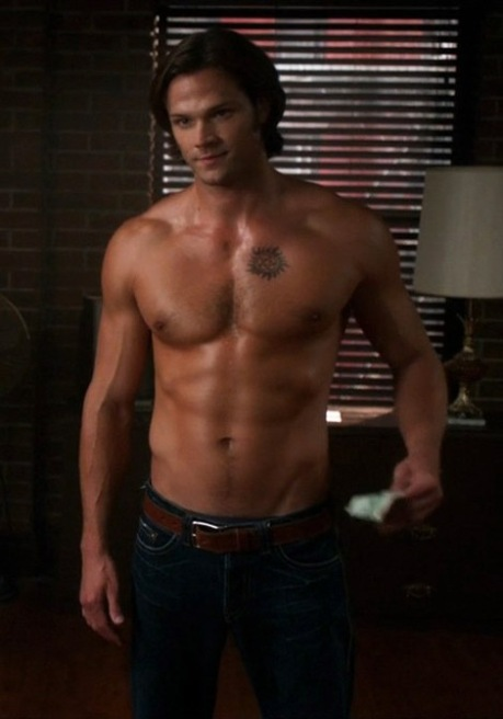 Jared-Padalecki-Shirtless-in-Supernatural-1