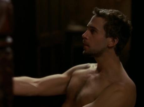 joseph-fiennes-shirtless