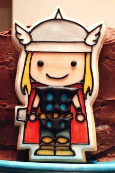30951db762e56164d16dafbaf681c842-thor-cake-superhero-cookies