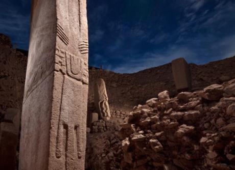 Gobekli-Tepe-carvings-stone-1200x872.jpg
