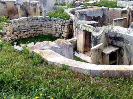 Top-Tourist-Attractions-and-Things-to-do-in-Malta-Hagar-Qim-Megalithic-Temples.jpg