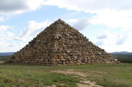 Ballandean_pyramid.jpg